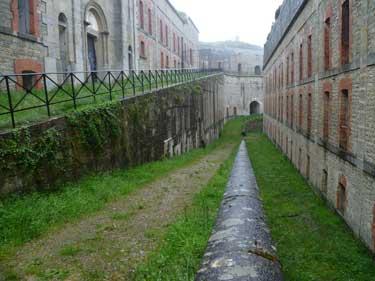 Imagen del interior del Fuerte de San Cristóbal o de Alfonso XII