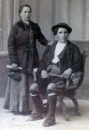 Javiera Hualde [Navarro / Ferniando] y Gorgonio Urzainqui [Ferniando], último matrimonio que habitó casa Ferniando.